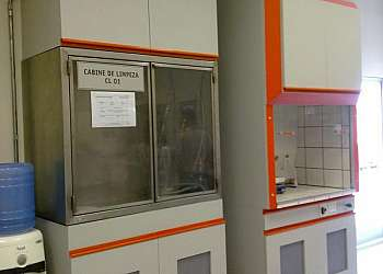 Estufa de laboratório de química